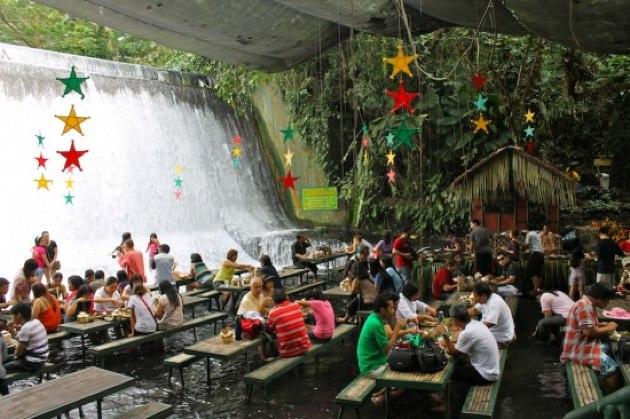 El restaurante-catarata de Filipinas