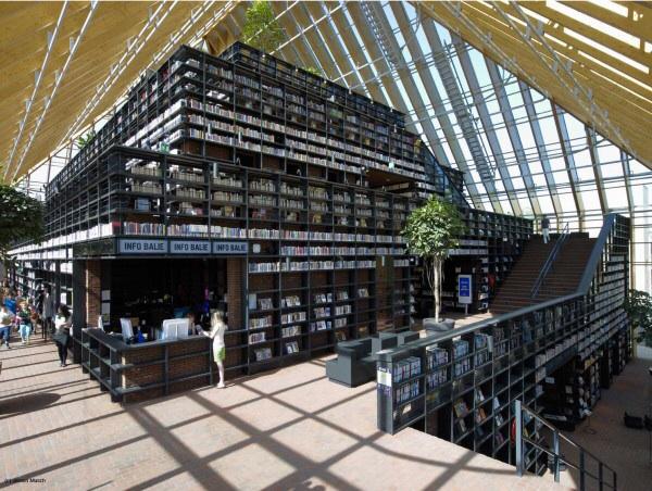 La montaña de libros de Spijkenisse