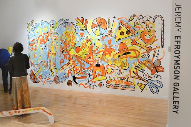Color me…, una exhibición que te invita a colorear la sala de un museo