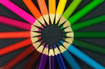 Descubren a una mujer que puede ver 99 millones de colores
