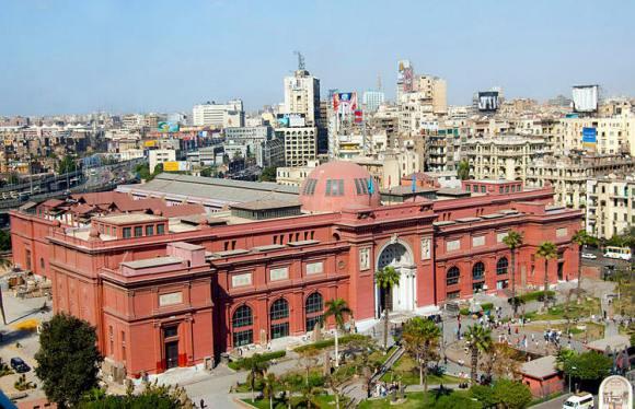 Visitando Museo Egipcio El Cairo