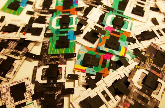 Un microscopio de cartón que puede detectar la malaria y otras enfermedades