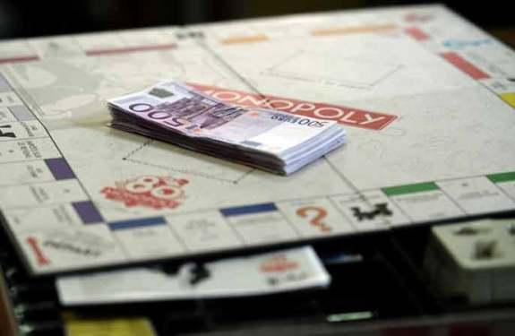 ¿Y si el Monopoly incluyera dinero real?