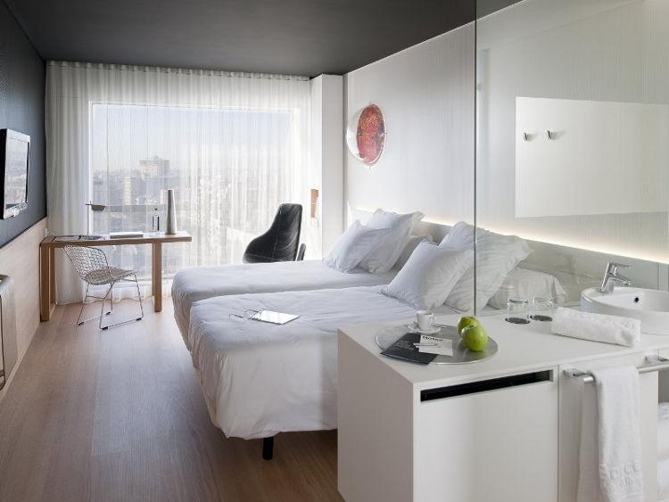 Barceló Sants, un hotel de ambientación espacial