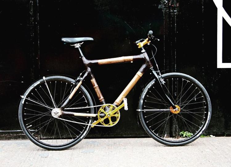 Haz propia bicicleta bambu recibiendo piezas correo
