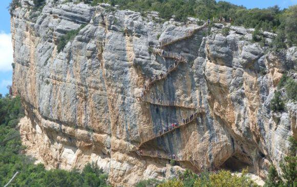 Espeluznantes escaleras Montfalcó