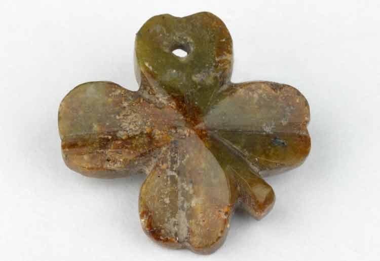 Una colección de curiosos amuletos de la suerte de la Primera Guerra Mundial