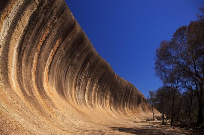Wave Rock, la roca australiana con forma de ola gigante