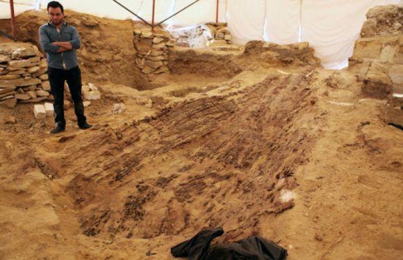 Descubren barco funerario bien conservado tumba egipcia 2