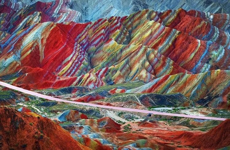 Montañas mil colores China Peru 2