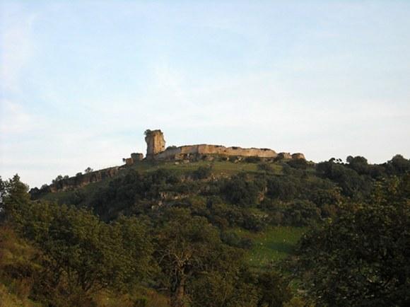 Polemica restauracion castillo Matrera 1