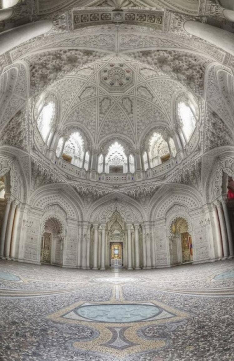 Belleza orientalizante Castillo Samezzano italiano