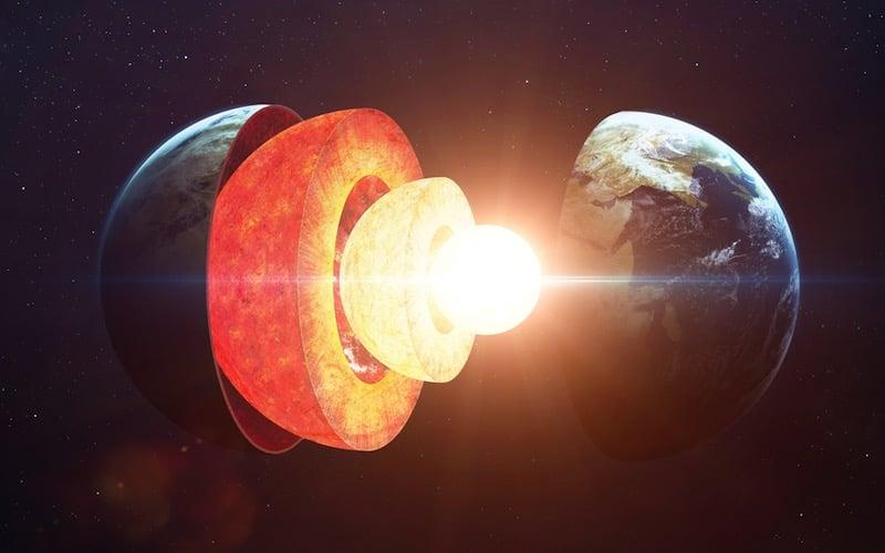 El núcleo de la Tierra es dos años y medio más joven que el resto del planeta debido a la relatividad