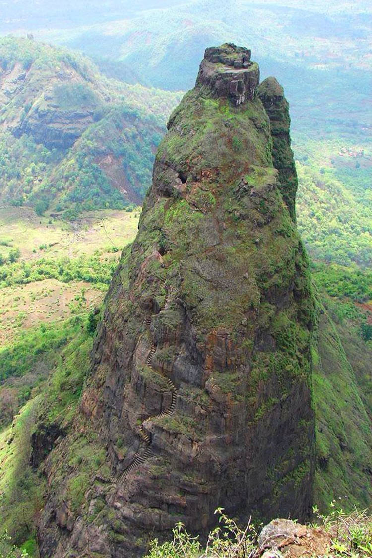 Fort Harihar inexpugnable fortaleza natural en India