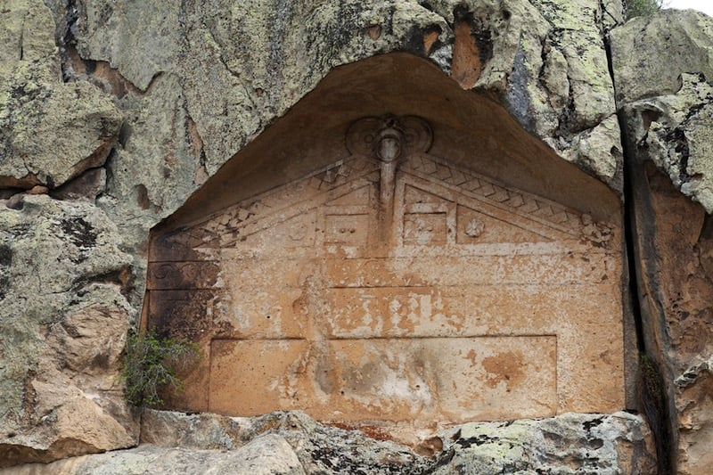 Monumento de nicho cercano al de Midas / foto Shutterstock