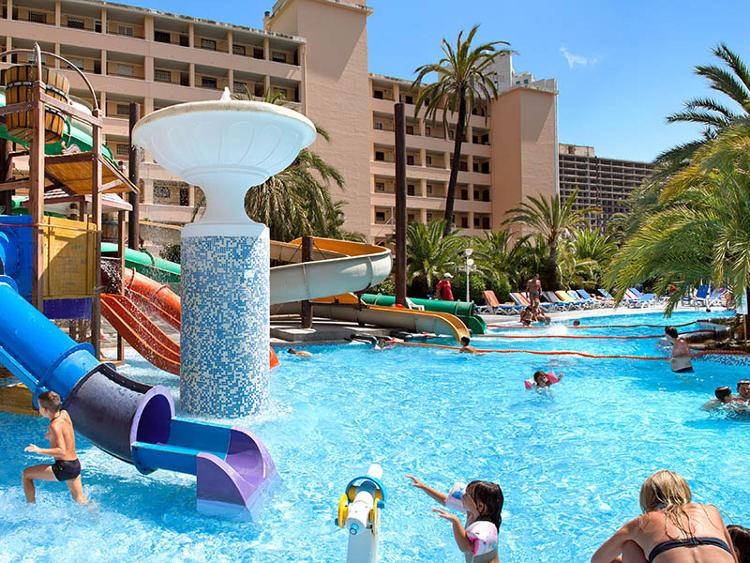 Vacaciones en Benidorm para toda la familia con Hoteles Magic