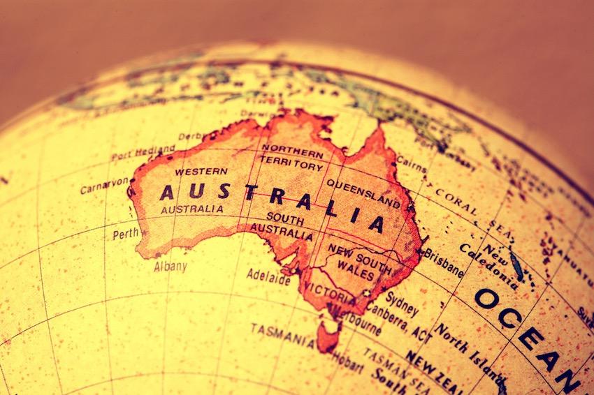 Un estudio explica por qué Australia se desplaza de su posición dos veces al año