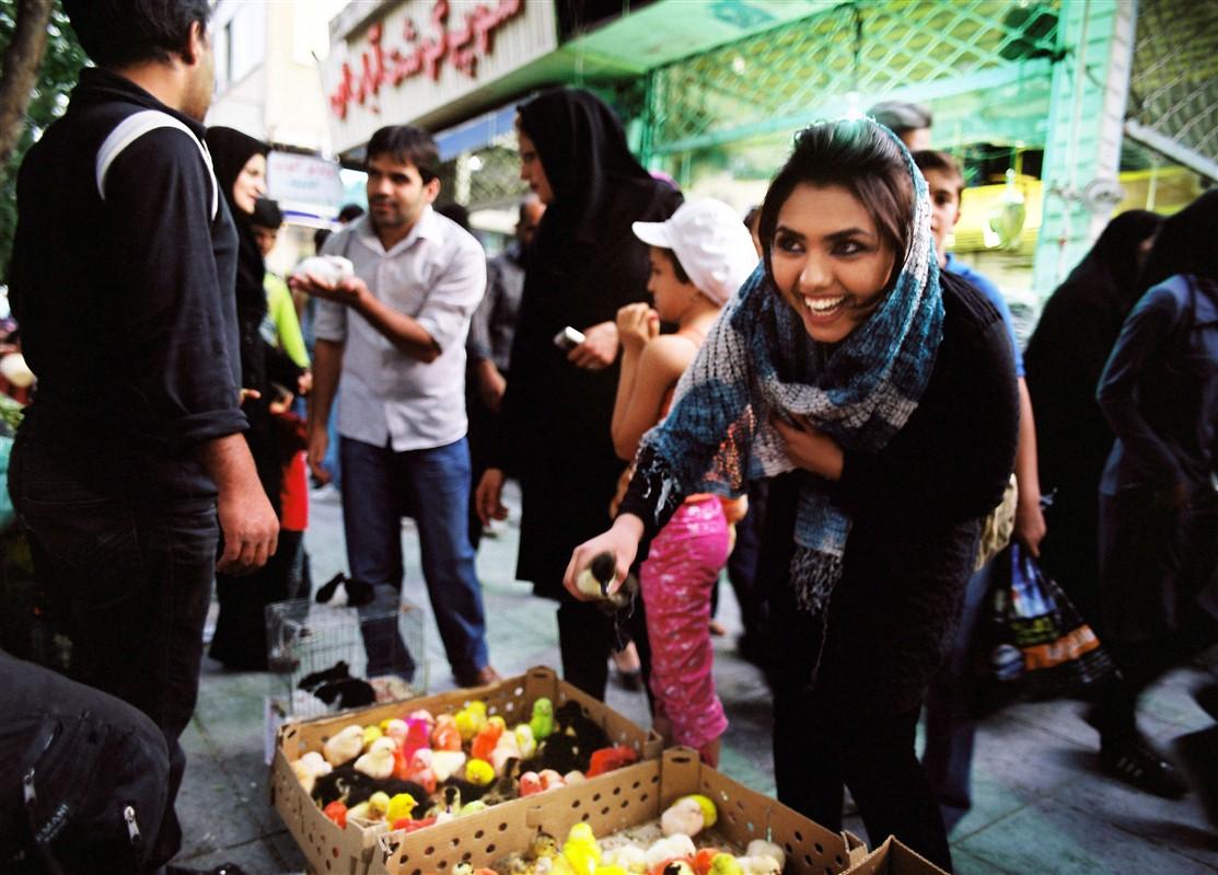 Taarof, el ancestral y exagerado protocolo cotidiano de los iraníes