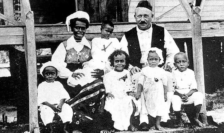 Carl Emil Petersson, el náufrago sueco que se convirtió en rey de una isla de Papúa-Nueva Guinea