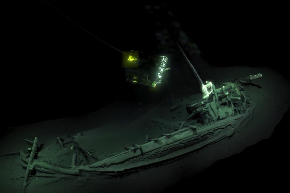 Hallan intacto el barco naufragado más antiguo del mundo