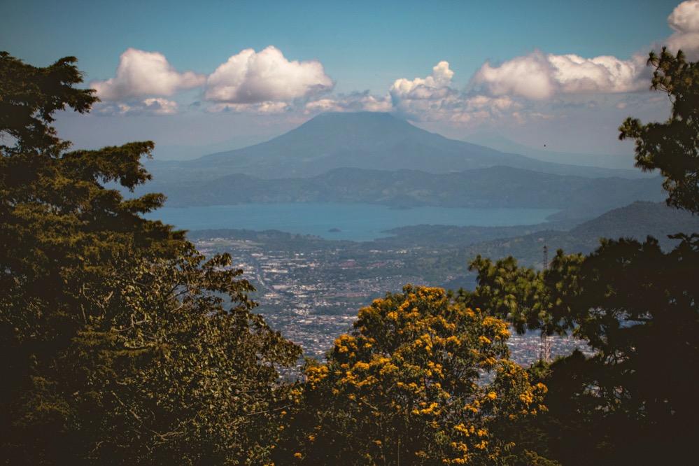 Reconstruyen el proceso eruptivo del volcán Ilopango: una columna de cenizas de 49 kilómetros de alto se elevó sobre la civilización Maya
