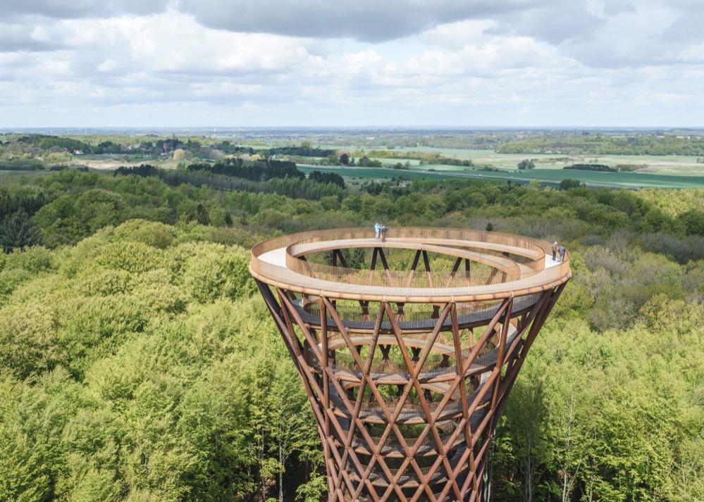 La impresionante torre-mirador espiral de la isla de Selandia en Dinamarca