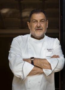 Foto Vissani con giacca da cuoco 2016