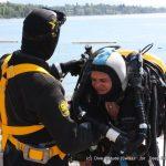 Mumu s'équipe pour son Baptême en recycleur au lac Leman en Suisse