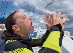 L'importance de l'hydratation avant pendant et après la plongée
