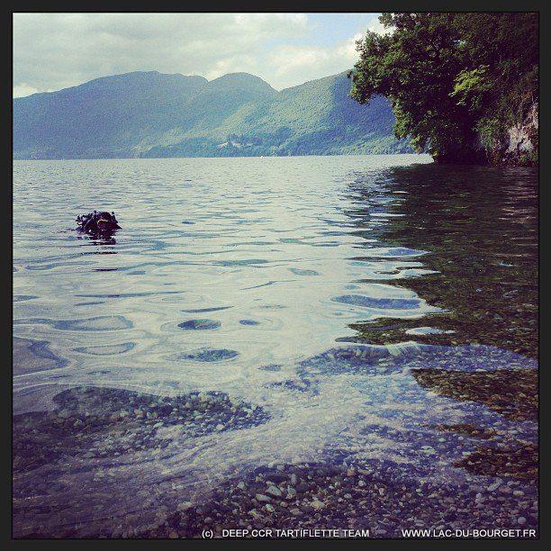 un copaing recycleur qui sort de plongée à chatillon chindrieux lac du Bourget