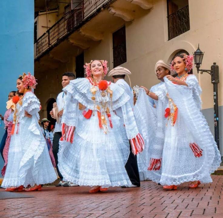 Desfile de Polleras en el Casco Antiguo