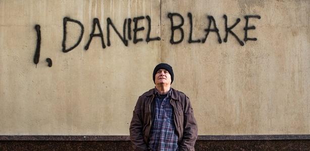 i-daniel-blake-2016-005-daniel-with-his-wall-graffiti