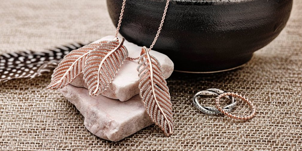 PANDORA Rose Light as a Feather Pendants