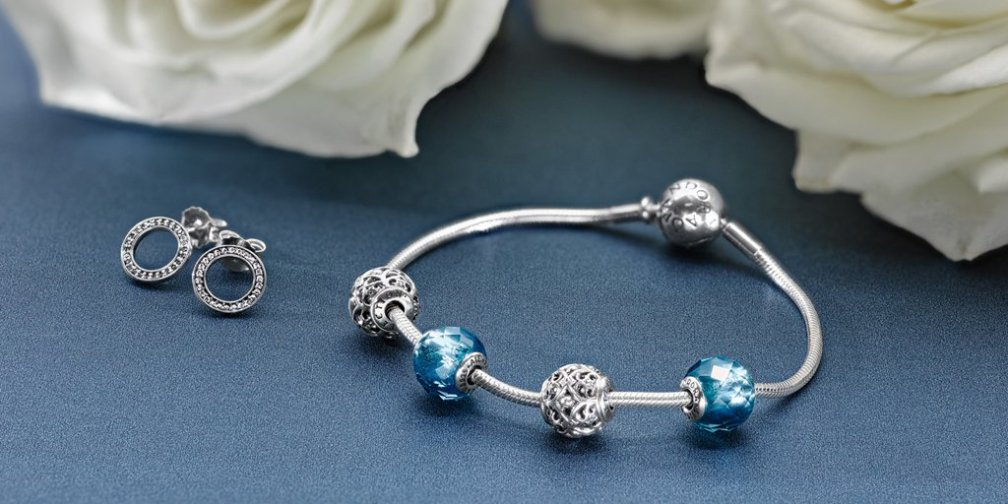 PANDORA Essence Charm Bracelet