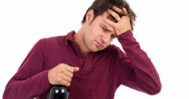 Mal di testa da vino