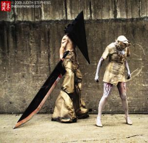 Pyramid Head y enfermeras de Silent Hill
