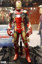 hot-toys-at-toy-soul-2014_13