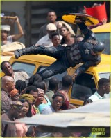 chris-evans-anthony-mackie-get-to-action-captain-america-civil-war-07
