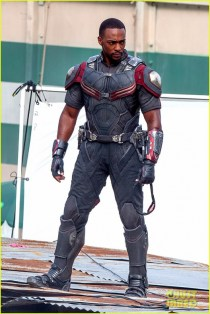 chris-evans-anthony-mackie-get-to-action-captain-america-civil-war-19
