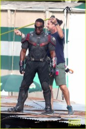 chris-evans-anthony-mackie-get-to-action-captain-america-civil-war-21