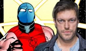 Adam Copeland como Atom Smasher