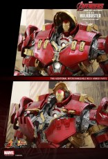 Hot Toy Hulkbuster 24