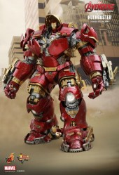Hot Toy Hulkbuster 29