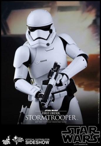 Hot Toys Star Wars VII 17