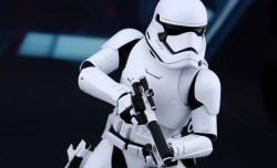 Hot Toys Star Wars VII 19