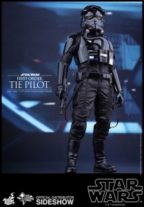 Hot Toys Star Wars VII 34