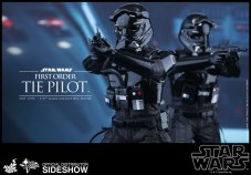 Hot Toys Star Wars VII 38