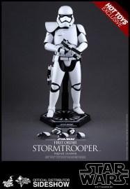 Hot Toys Star Wars VII 4