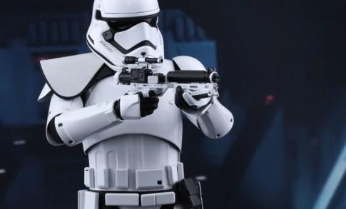 Hot Toys Star Wars VII 5