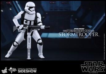 Hot Toys Star Wars VII 9